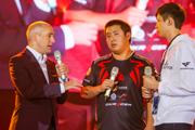 夺冠时刻展现中国选手风采