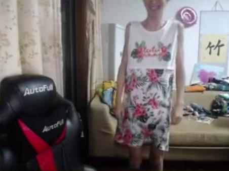 [视频] 蛋塔女装随机杯大战,片尾Infi女装彩蛋