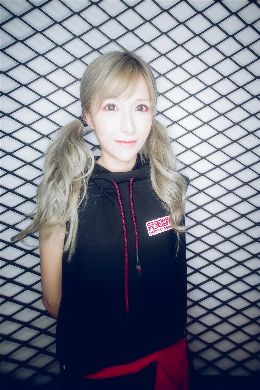 Chinajoy2017首日 showgirl颜值担当
