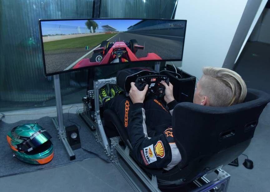 一台赛车模拟器是怎样炼成的