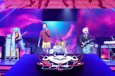 热血电竞放声高歌GALA乐队献唱JDG主场启动仪式