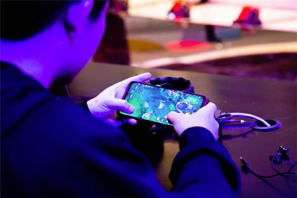 2020正式布局游戏手机业务未来继续加码电竞营销